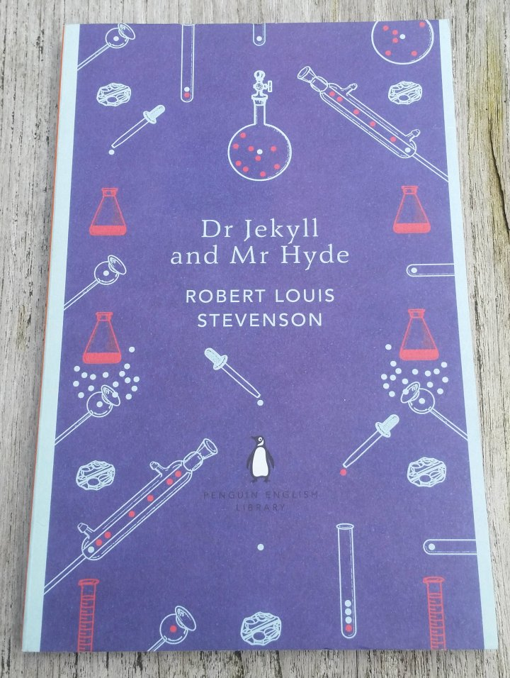 Review: Dr Jekyll and Mr Hyde by Robert LouisStevenson