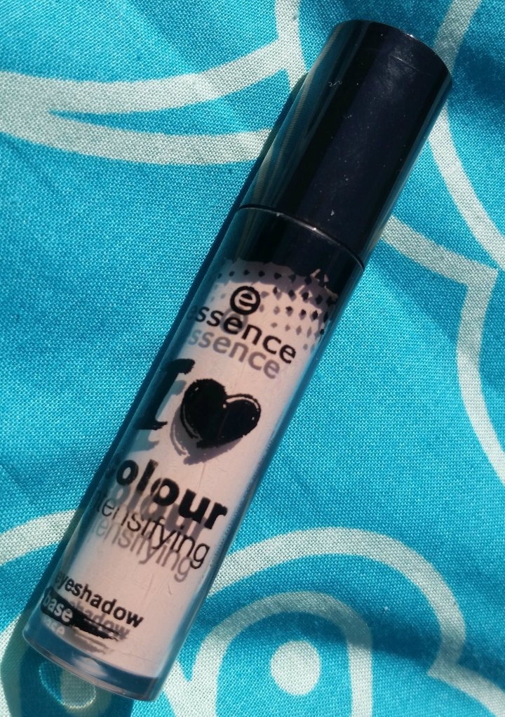 Review:  Essence – I love colour intensifying eyeshadow base