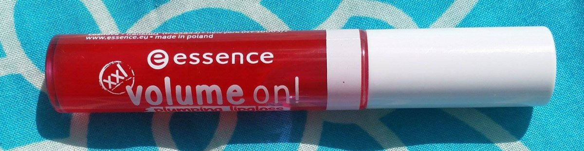 Review: Essence Volume On Plumping Lipgloss in 03