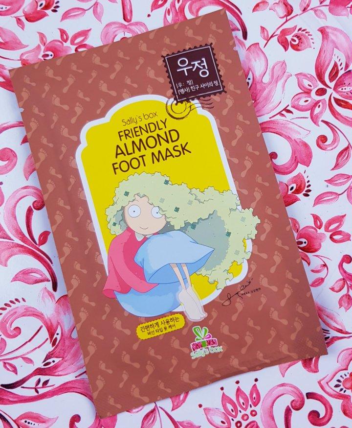 Mask Monday: Sally's Box Friendly Almond FootMask