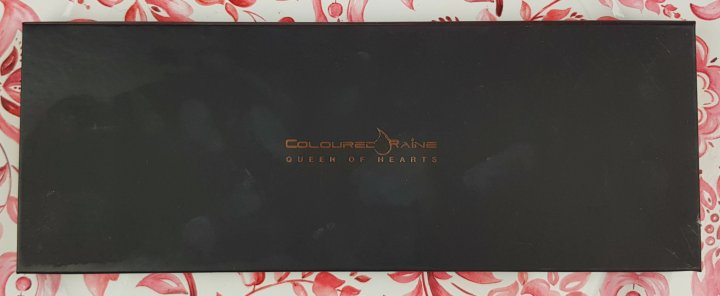Review: Coloured Raine Queen of Hearts Eyeshadow Palette