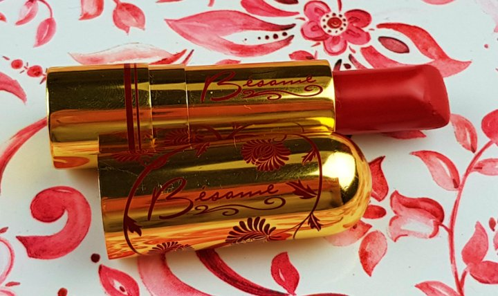 Review: Bésame Cosmetics Lipstick in Victory Red