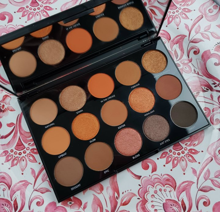 Review: Morphe 15D Day Slayer Eyeshadow Palette