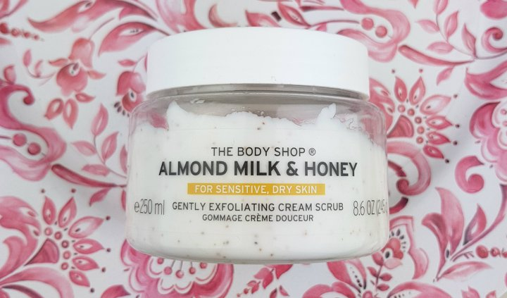 Review: the Body Shop Almond Milk & Honey Scrub